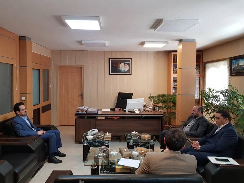 حضور مدیرامور شعب بانک تجارت استان در بنیاد مسکن و دیدار با مدیرکل این نهاد