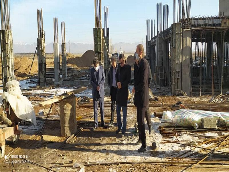بازدید مهندس خواجه ای مدیرکل بنیاد مسکن انقلاب اسلامی استان از پروژه ۵۴ واحدی طرح اقدام ملی مسکن شهرستان خرمدره